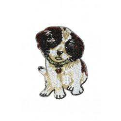 Aplikacja z cekinów na siateczce Pies